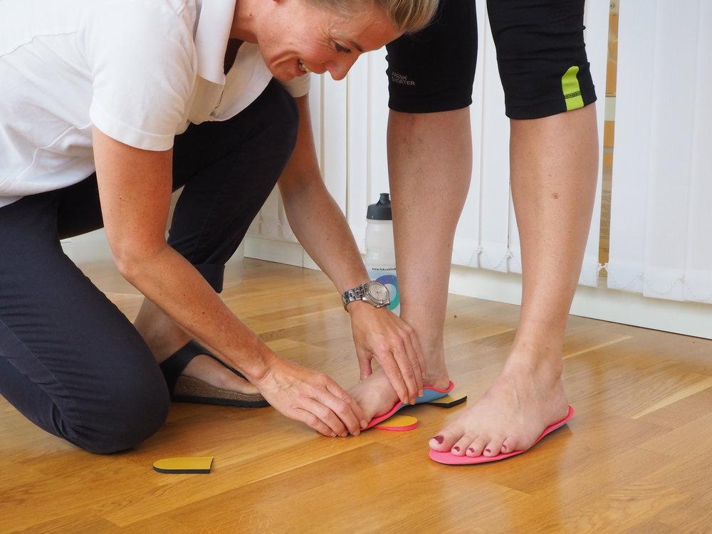 Individuell såletilpasning er viktig for å oppnå riktig belastning på foten. FOTO: Fokusklinikken