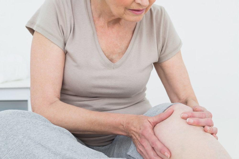 Artrose (slitasjegikt) er en del av normal aldringsprosess.