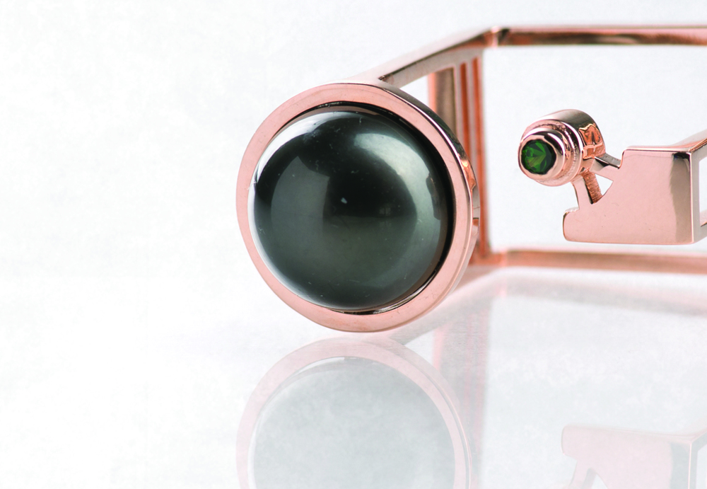 Monument_Ring_Black_Pearl