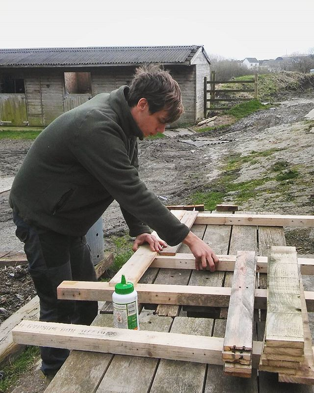 Making the most of the lack of rain today, Joe's building a frame for a large reception desk we're working on this week. Here's hoping the rain holds off for another couple days! 🙏