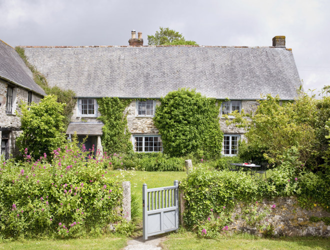 farmhouse-kestle-barton-accommodation-cornwall-1-660x500.jpg