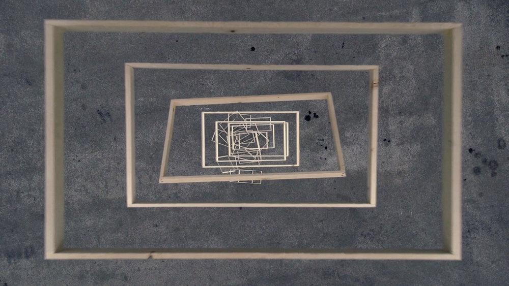 Falling frames_Langkamp_Videostil_WEB_sRGB.jpg