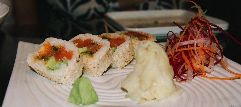 Salmon Futo Maki
