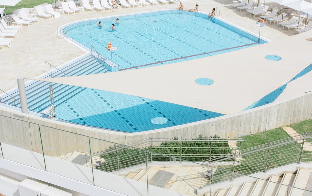 Elma's swimming pool.