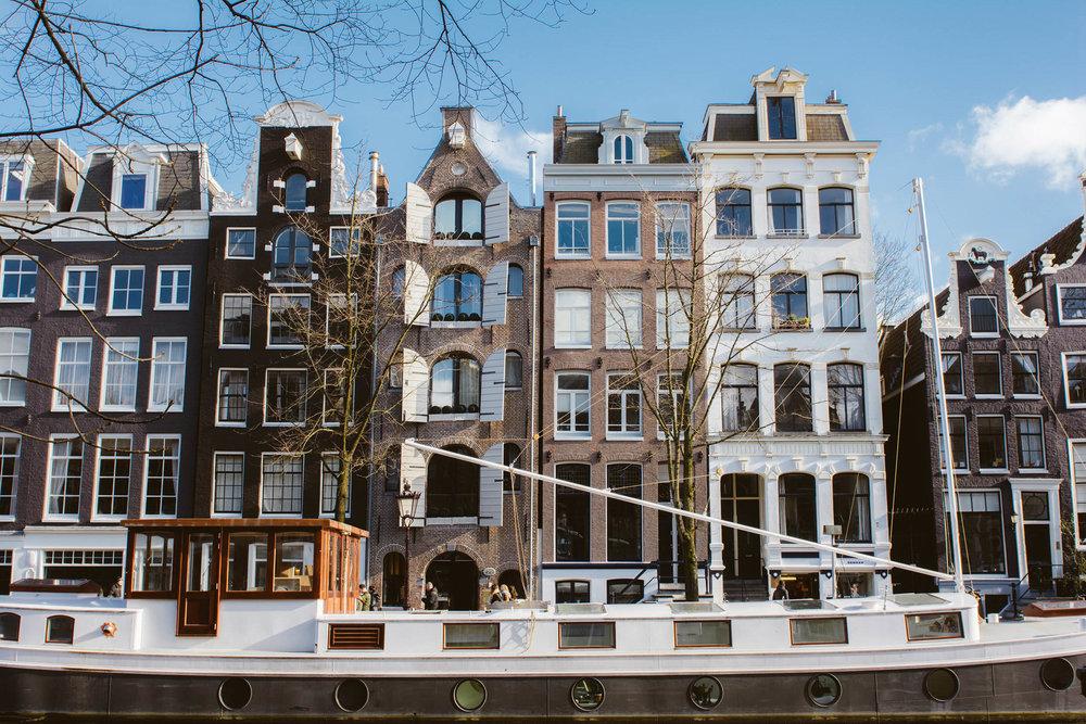 AMSTERDAM - VIA TOLILA