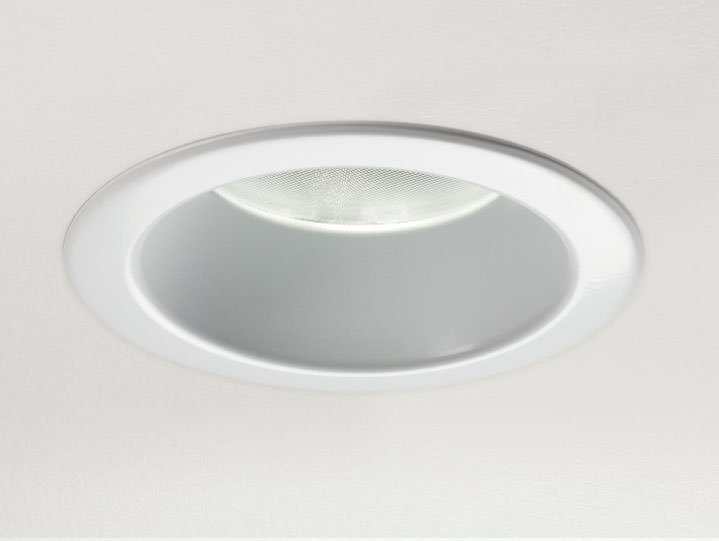 Round Trimmed DownlightMatte White with Micro Prism Solite Lens