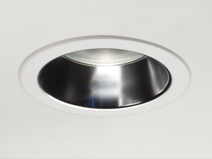 Round Trimmed Downlight in Clear Alzak with Micro Prism Solite Lens