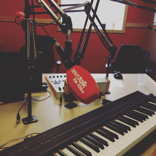 Bruce the Keyboard and I chillin at Newstalk this eve with Orla Barry. Funni. Show will be aired in the next week r sooo. #newstalk #thegreenroom #orlabarry #whelans #bruce #radiofun #gigglin #superman