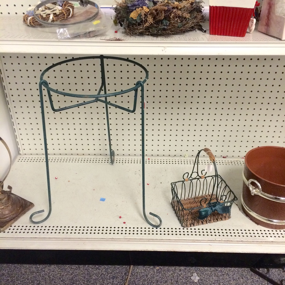 What could YOU do with this grubby metal plant stand?