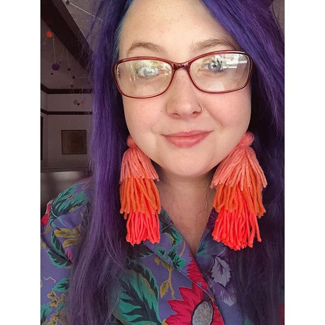 I haven't been making much in the past few months. No earrings or weavings or pom-poms that is. I've been making outfits and bolo ties and sharing it on my personal account @lollieeeepop. Last night I made some big tassel earrings and I'm definitely bringing some to @themadefest this year! What color combos do you want to see?