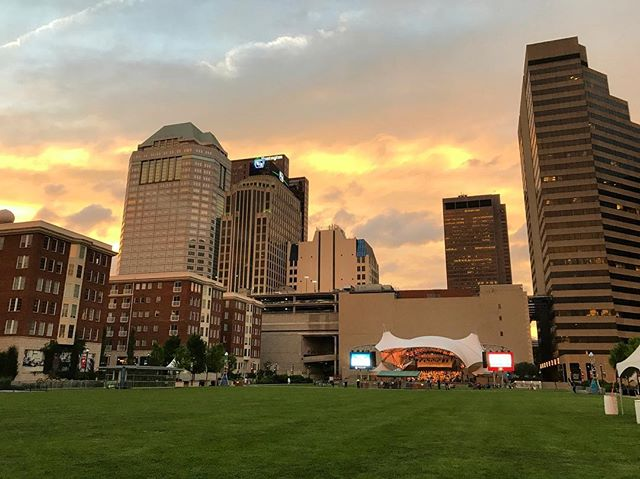 #tbt to a heavenly night last week watching the Columbus Symphony Orchestra rehearse for Picnic with the Pops at The Columbus Commons. We love being a part of the Commons team and all of the spectacular events they hold at the park. If you haven't gotten a chance to stroll through the Commons or go to one of the plethora of events they have each week, it's well worth the trip. #columbusohio #columbuscommons #asseenincolumbus #columbussymphony #columbussymphonyorchestra #columbusmusic #picnicwiththepops #614 #cbuslife