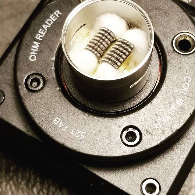 Keeping it #fused  Fresh set of #fusedclapton on the #csmnt built on the #521tab  #coilmaster #vapebosspa #vapefamily #coils #vapelife #vapelyfe