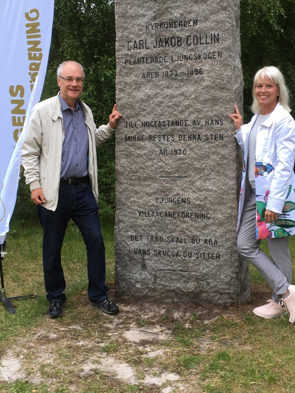 Lennart Öhrström och carina wutzler förrättar återinvigning av collins sten