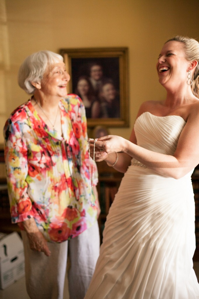 bride_laughing_ClaireElysePhotography