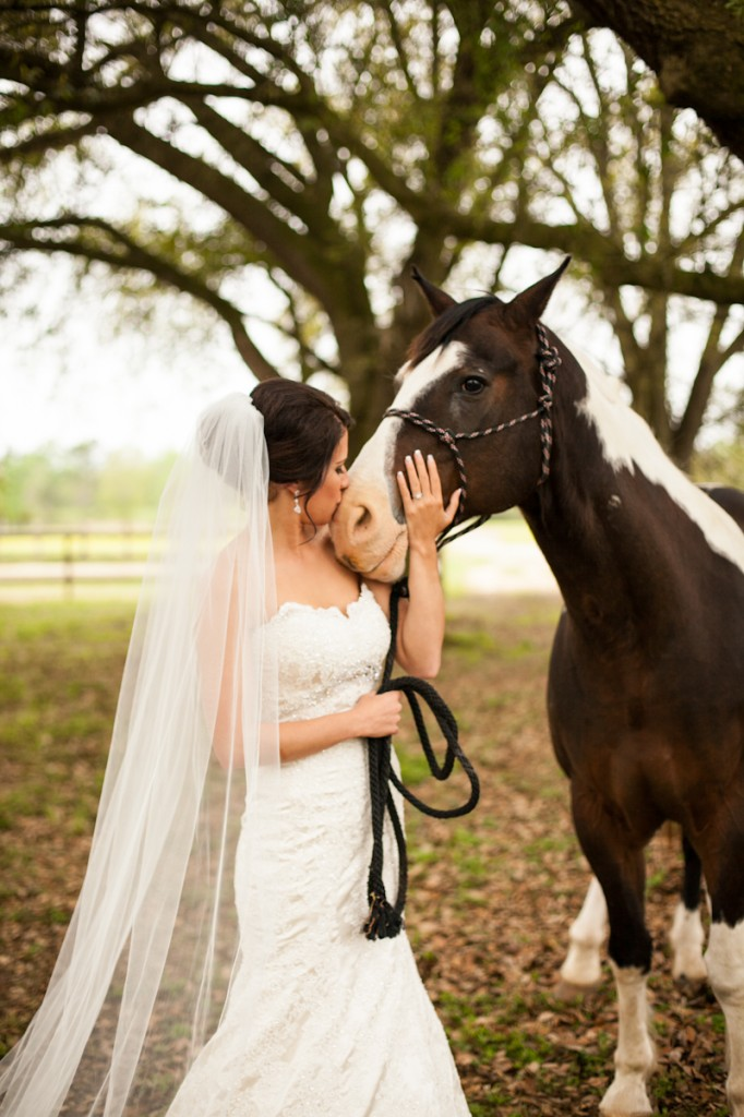 CovingtonWedding_BarnWedding_Bridals_with_horse