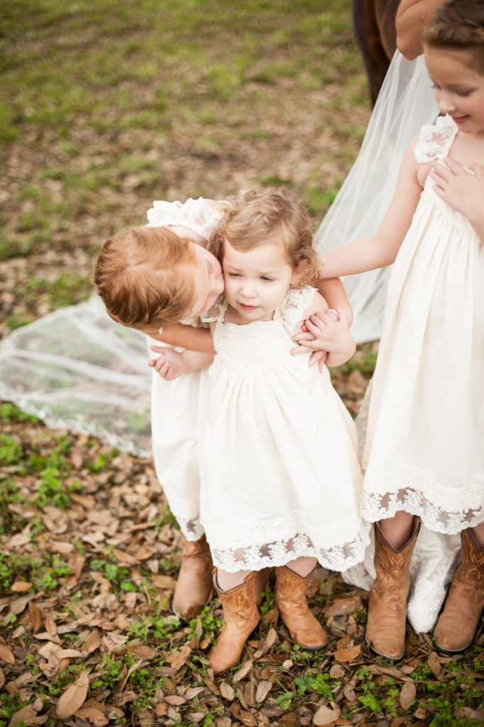 CovingtonWedding_BarnWedding_childrenPhotographer