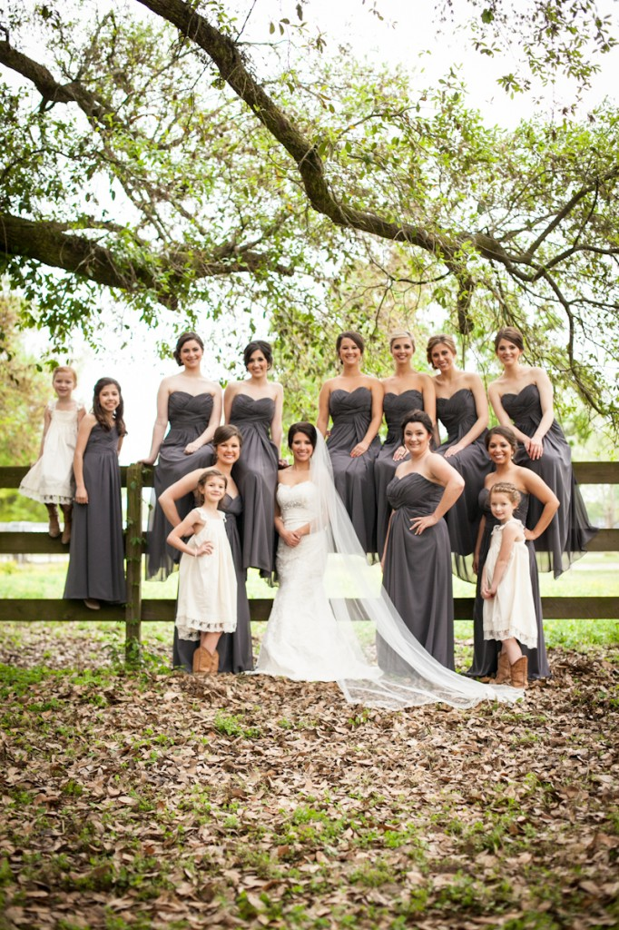 CovingtonWeddingPhotographer_bride_with_bridesmaids