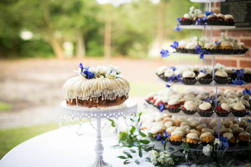 Baton Rouge weddings, Steele Burden Memorial Orangerie, bride and groom, Nothing Bundt Cakes