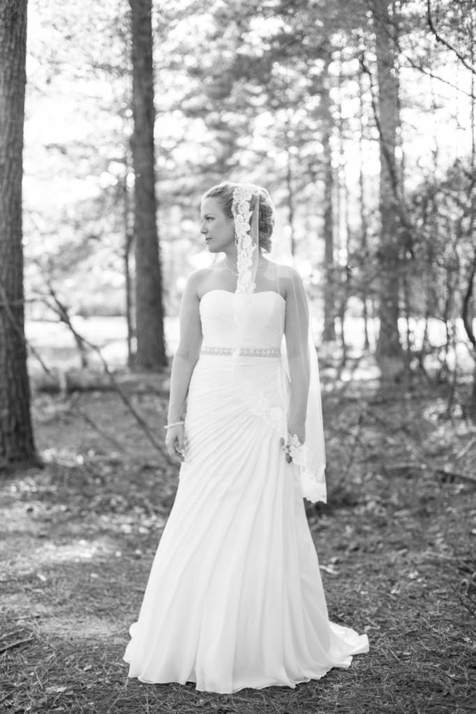 bride_woods_forrest_ClaireElysePhotography