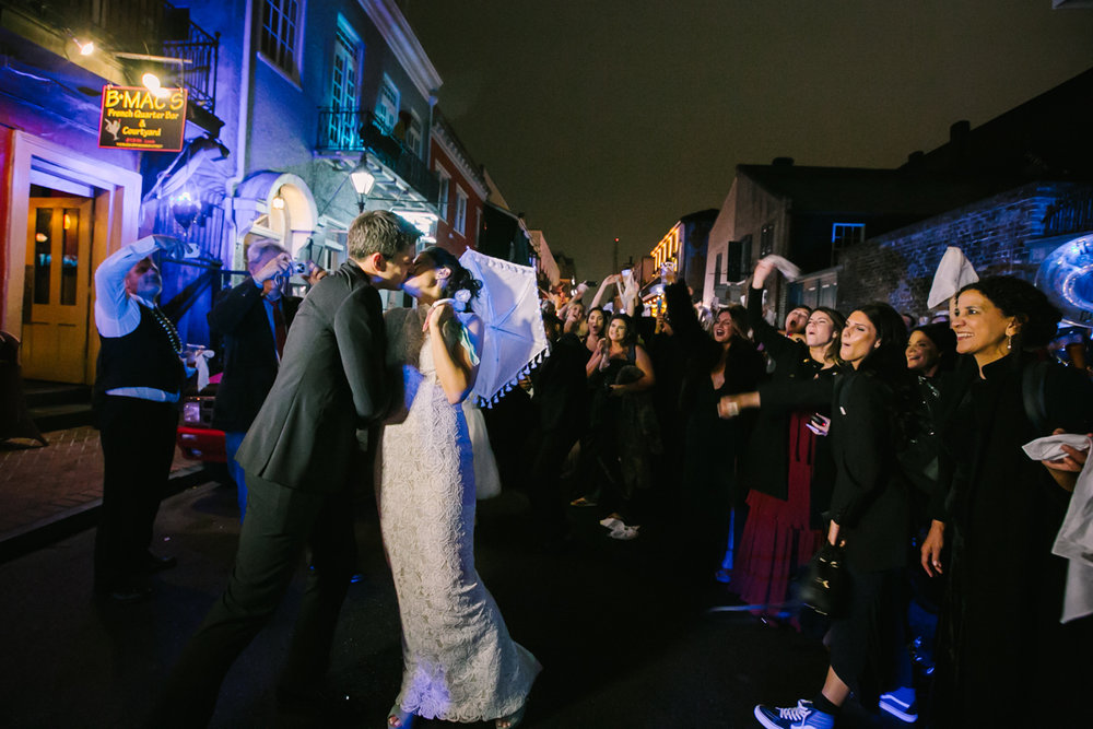 New Orleans weddings second line