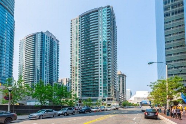 30 Grand Trunk Cres 2408 - SOLD