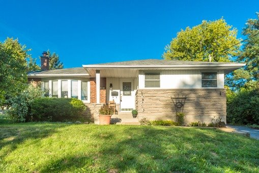 327 Dover Crt -  SOLD