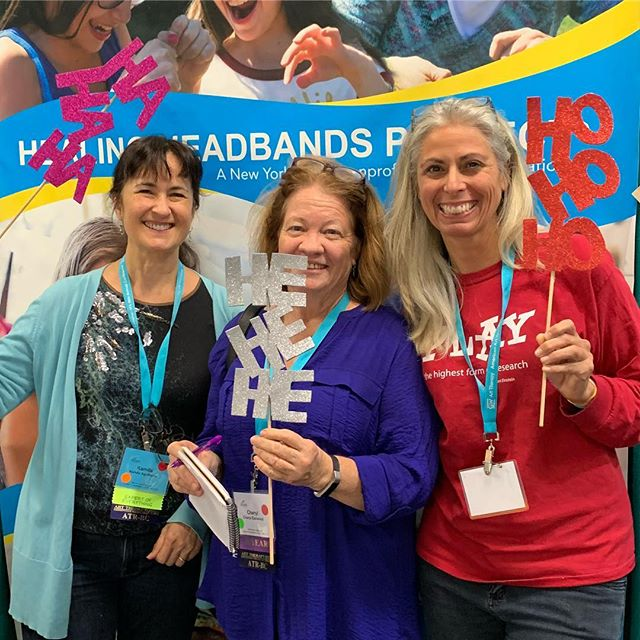 Happy #aata2018 American Art Therapy Association members supporting Healing Headbands Project we help those with serious illness feel better! #laughcreateheal @arttherapyorg  @healingheadbands @hyattregencymiami
