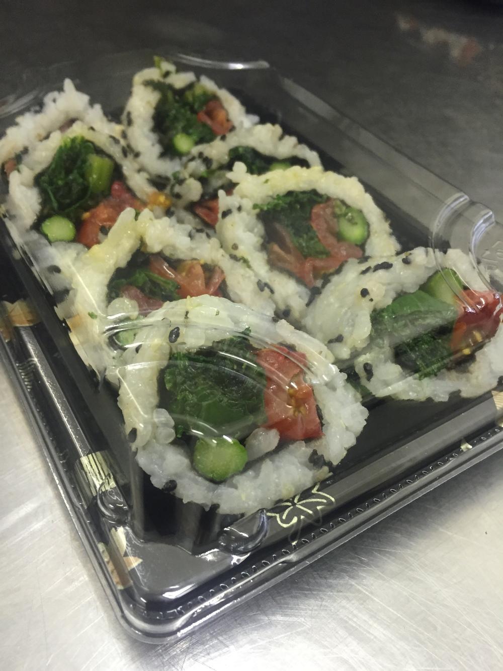 Roasted tomato, kale & asparagus rolls - £5