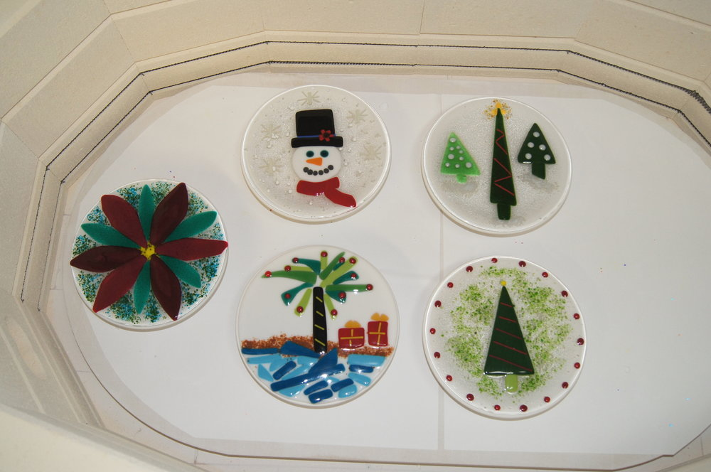 fused holiday plates.JPG