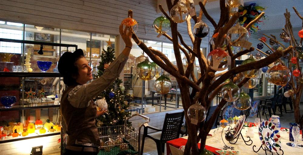 kyndra in gallery.JPG