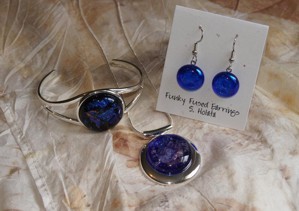 Holata jewelry 18 blue.JPG