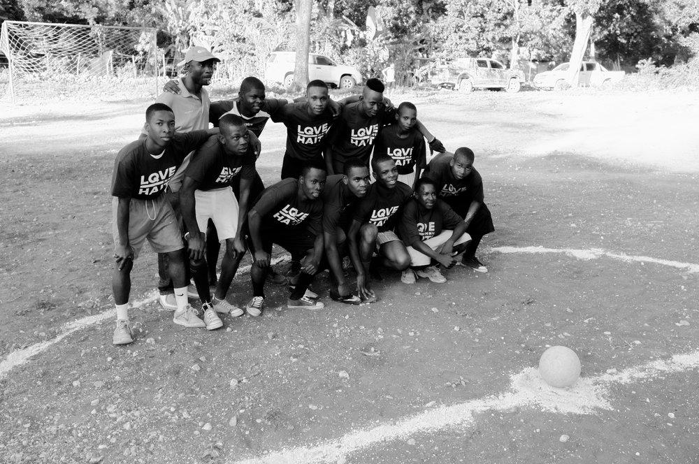 LQVE HAITI team.jpg