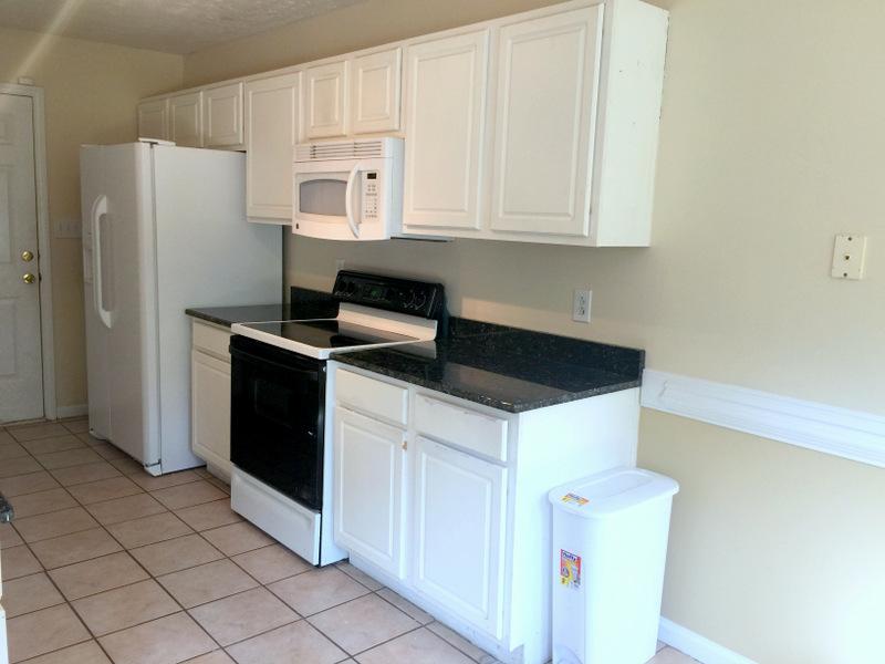 38-kitchen 1.JPG