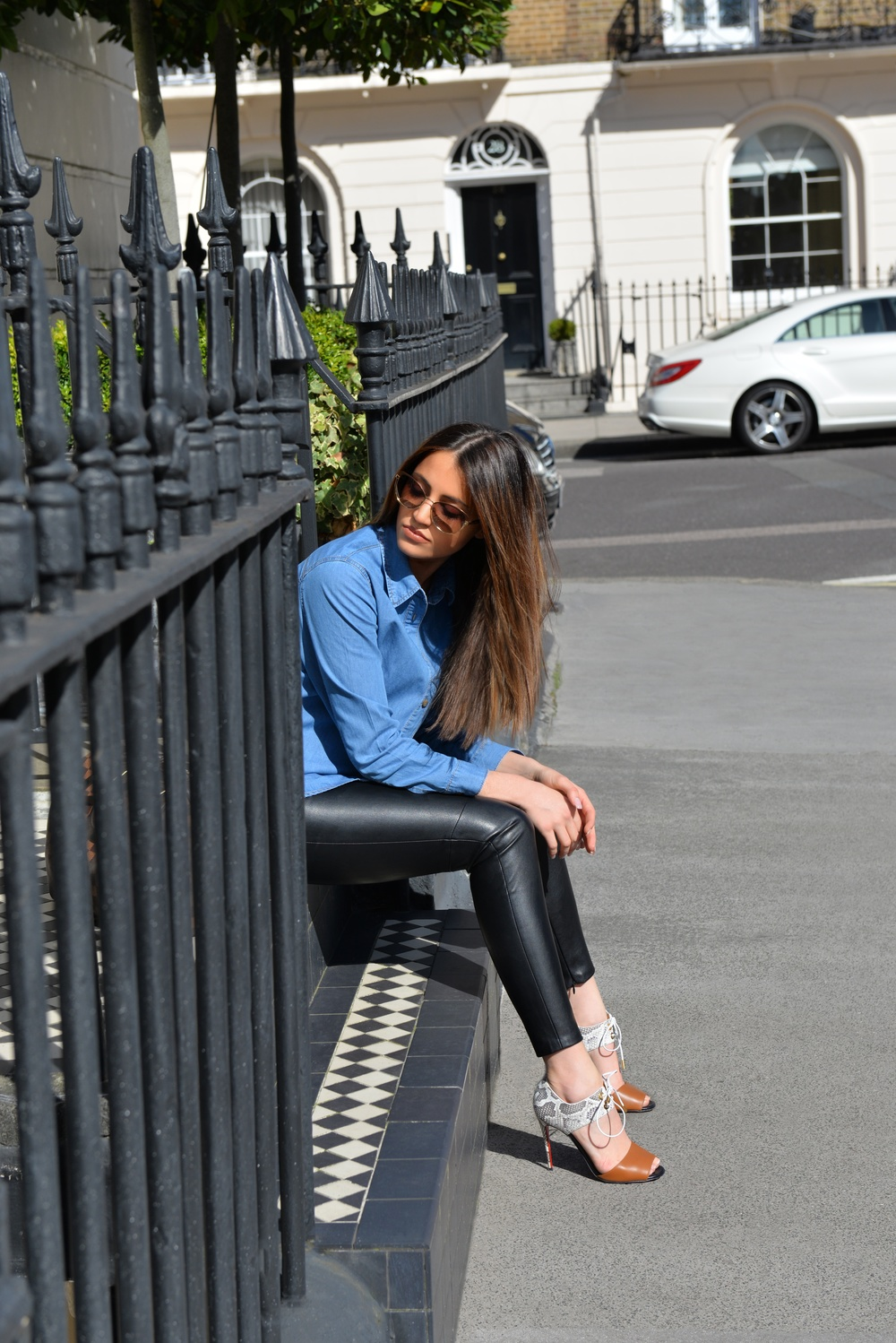 photo (3) The Vanillawoods Maureen Sophie Kragt, leather pants, denim shirt, skinny jeans, Christian Louboutin Mayerling heels. Best Fashion Blog, personal style blog London