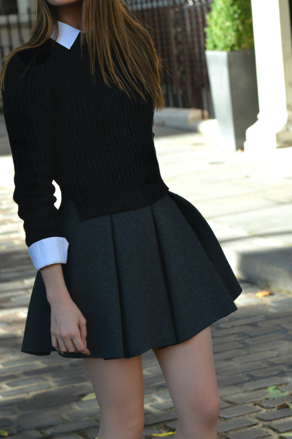BACK TO SCHOOL: BLAIR WALDORF STYLE, UNIFORMS TRENDS BY MAUREEN SOPHIE KRAGT BLOGGER FROM THEVANILLAWOODS.  SKIRT &   WHITE SHIRT BY ZARA, SNEAKERS BY JIMMY CHOO photo (9)