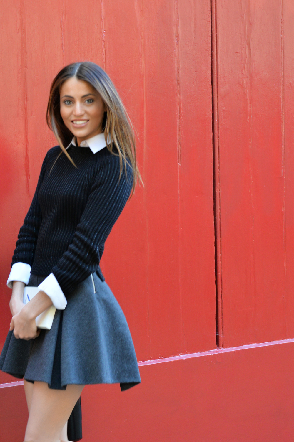 BACK TO SCHOOL: BLAIR WALDORF STYLE,UNIFORMS TRENDS BY MAUREEN SOPHIE KRAGT BLOGGER FROM THEVANILLAWOODS. SKIRT &WHITE SHIRT BY ZARA, SNEAKERS BY JIMMY CHOO photo (10)