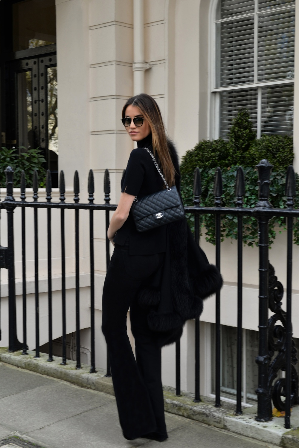 photo (2) #BlackFriday OOTD. Sharp and modern all black look. Ultra soft black cashmere cape with fur. Worn by Fashion Blogger Maureen Sophie Kragt from TheVanillawoods Blog.