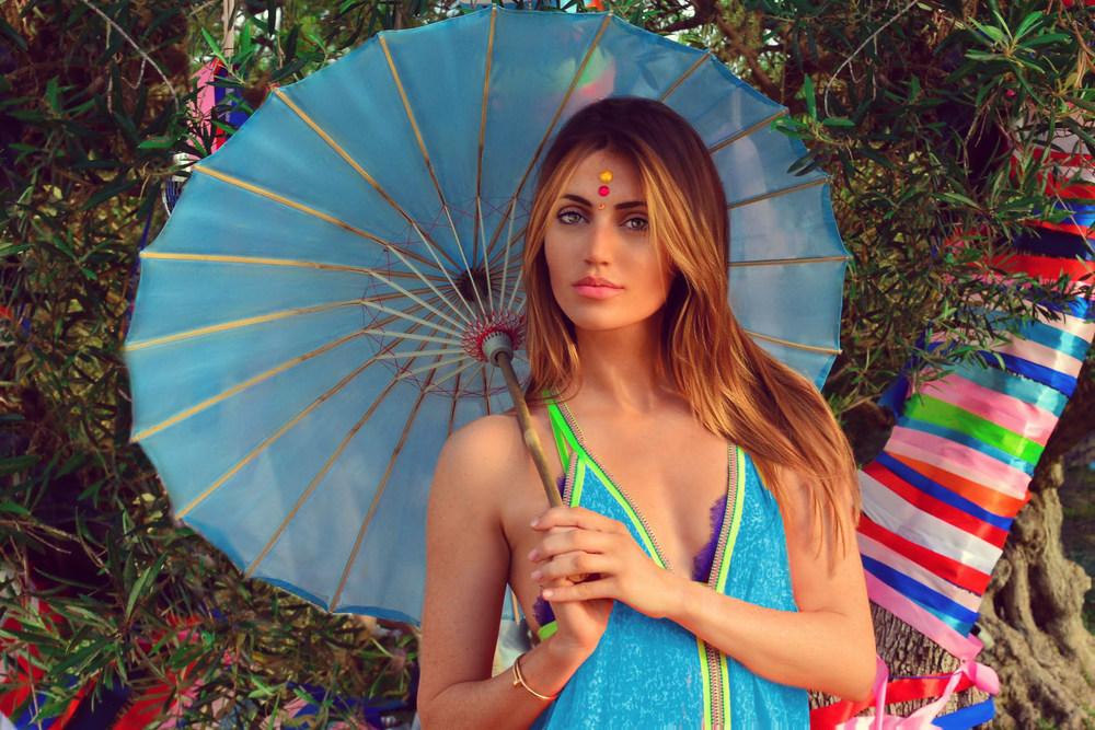 Ibiza garden party attire, UK Blogger Maureen Kragt is wearing a Pitusa maxi dress, hippie vibes, Xios Villa.