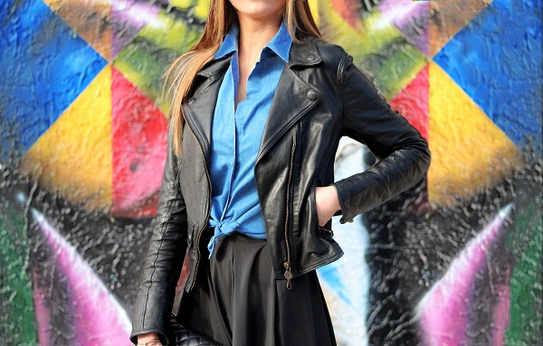 Kobra Artist. WYNWOOD, MIAMI. Maureen is wearing a Matchless Leather jacket, Denim shirt and black high waist skirt from AQAQ. photo (2)