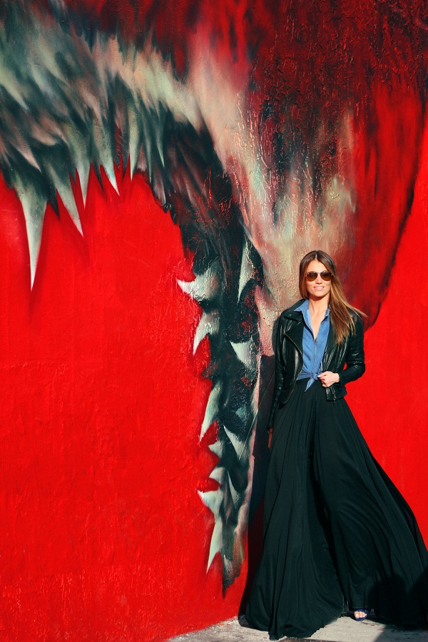 KOBRA. WYNWOOD, MIAMI. Maureen is wearing a Matchless Leather jacket, Denim shirt and black high waist skirt from AQAQ. photo (4)