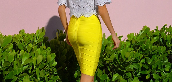 photo (2) Fashion Blogger Maureen Sophie Kragt takes Miami. Maureen is wearing a crop top by zara and a Herve leger bright yellow skirt. marc jacobs aviator sunglasses. Miami, BloggerLife, pencil skirt, crop top, wedge shoes, Bandage skirt