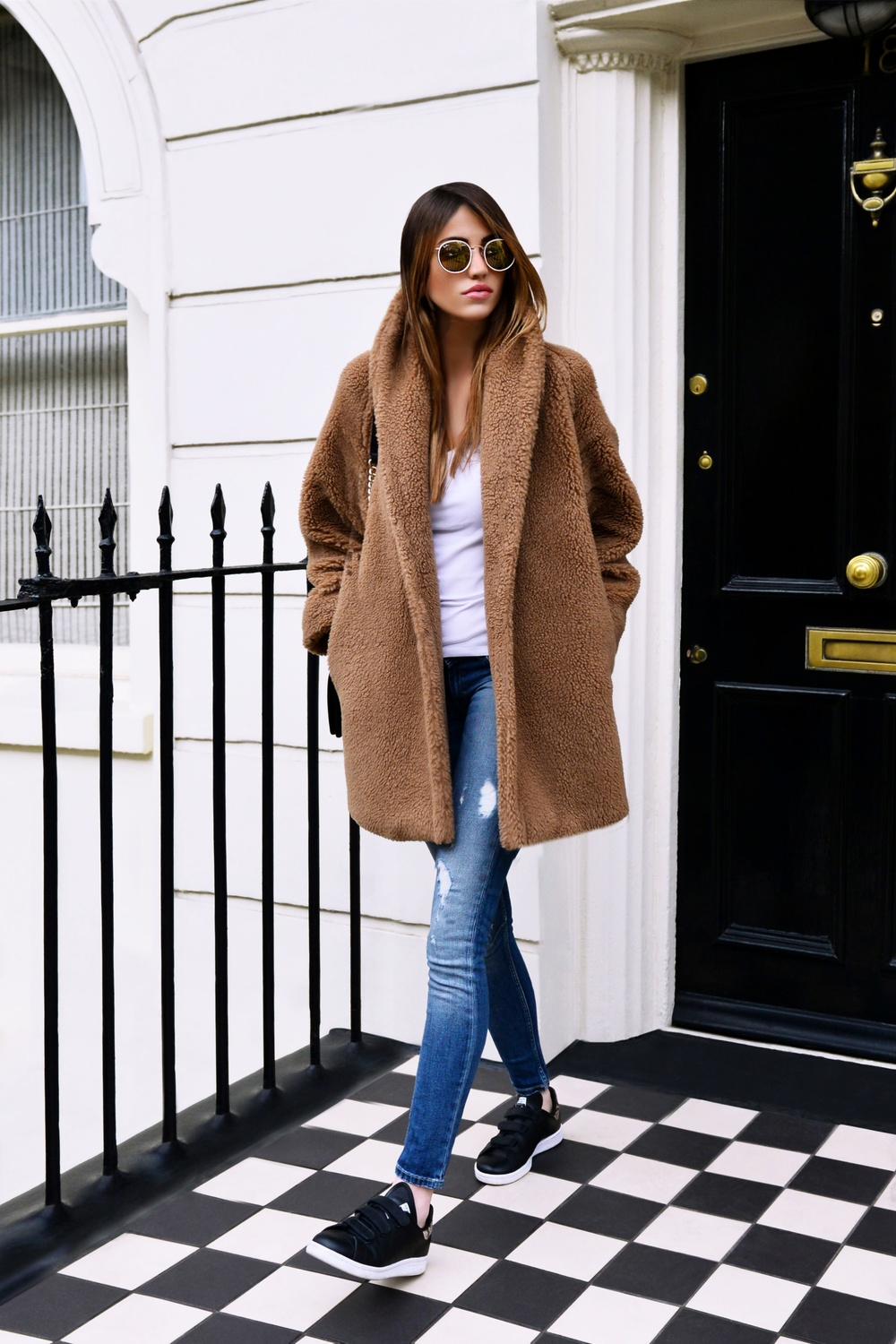 Outfit Of The Day: White shirt by James Perse Distressed jeans by Asos Teddy coat by Max Mara Patent leather black boy bag by Chanel Round Gold sunglasses by Ray Ban check out my fashion blog ! photo (5)