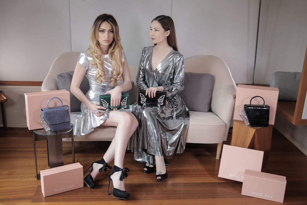 Fashion Influencer Maureen Kragt is posing with Designer Ming Ray in the Berkeley Hotel, London. UK.   Read her exclusive interview on her blog.      ming ray, handbag, london, designer, blogger, maureen kragt