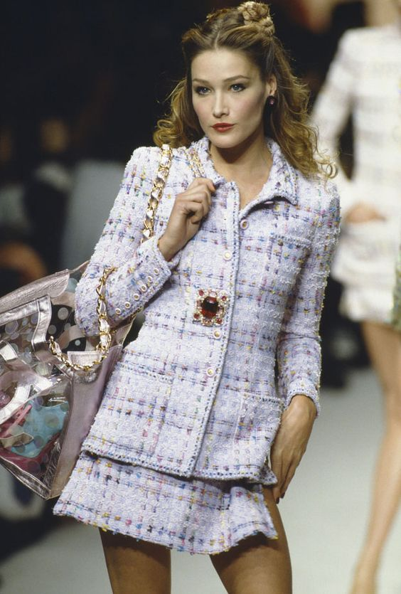 Carla Bruni - Chanel 1990
