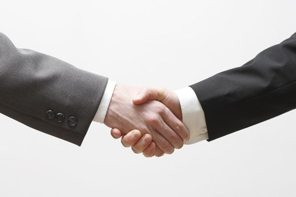 Le notaire, juriste de l'entente, peut vous aider à clore une multitude de transaction. Consultez les services offerts chez MBN notaires