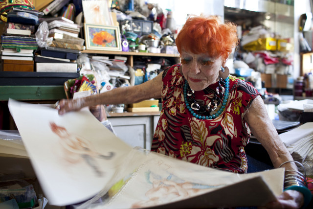 Ilona Royce Smithkin (93) ainda leciona como professora de arte, sua grande paixão