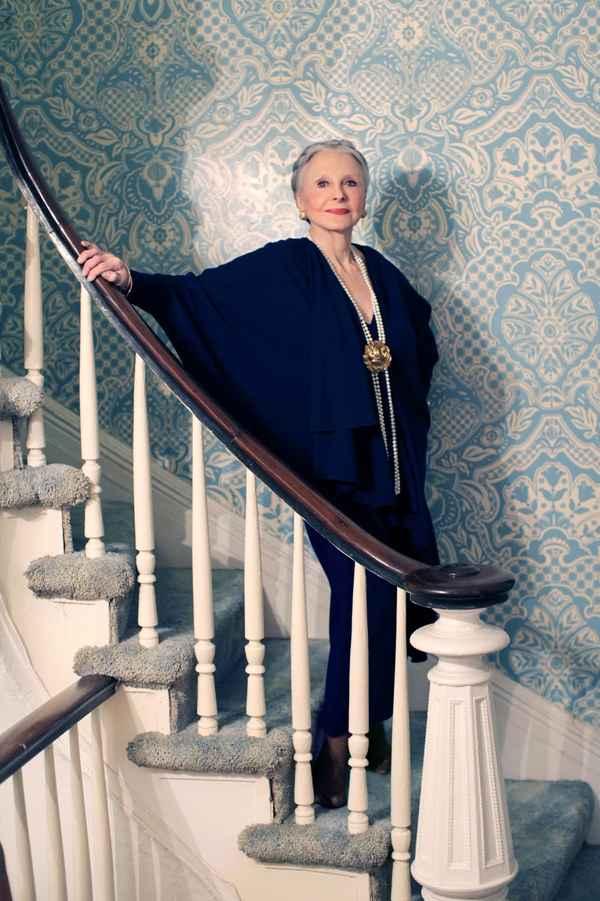 Joyce Carpati elegantérrima aos 80 anos