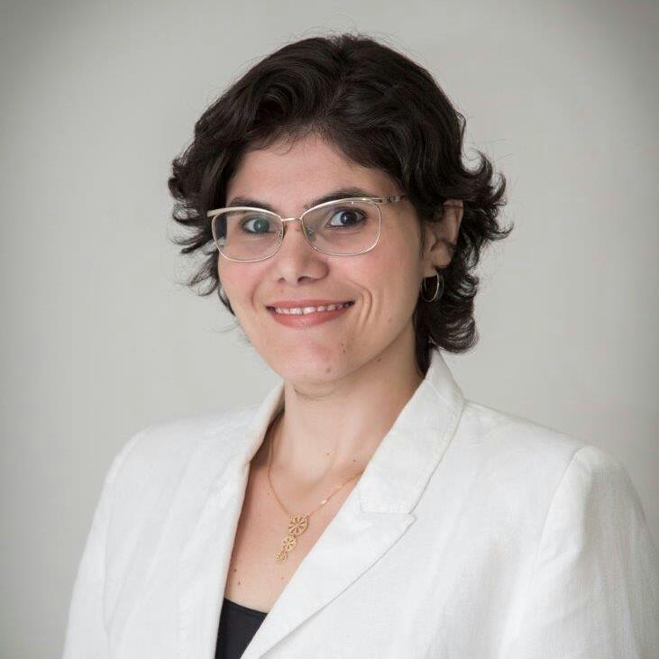 O curso será ministrado por Ana Cecília Aragão, que é professora de Design e Comunicação Social