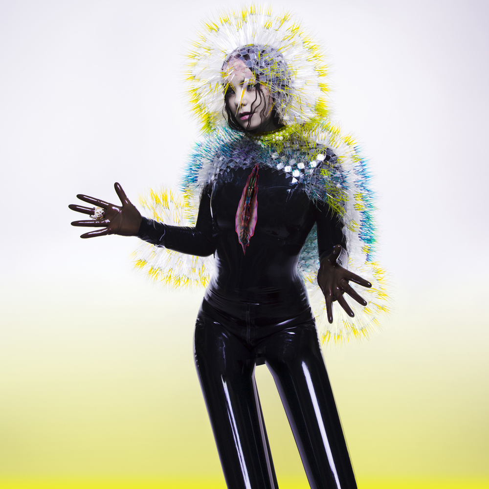A capa do disco 'Vulnicura' e sua segunda versão ao lado