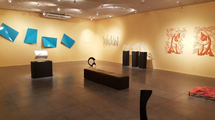 A exposição destaca as principais fases da carreira de Marta Arruda (Fotografia: Renato Medeiros Cordeiro)